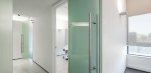 salle-operation-clinique-chirurgie-plastique-esthetique-est